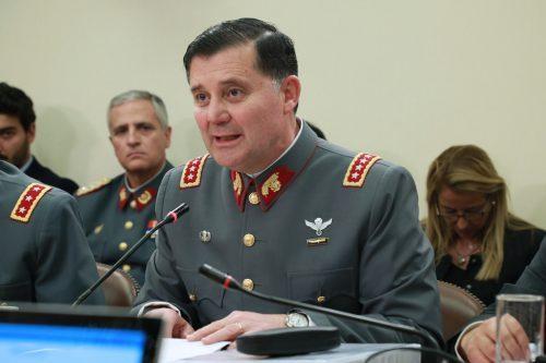 Espina respalda reunión de Comandante en Jefe del Ejército con personal en retiro