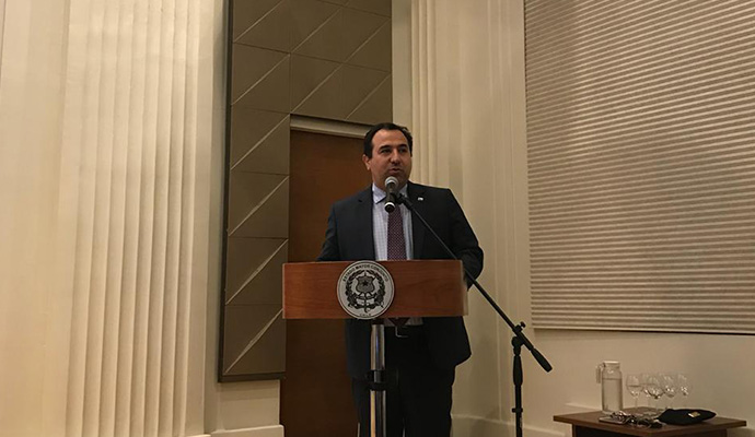 Guerra epistolar entre senadores de oposición y subsecretario de Defensa Juan Francisco Galli