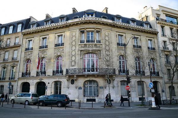 Senado transversal pide al Gobierno designar rápidamente embajador en Francia