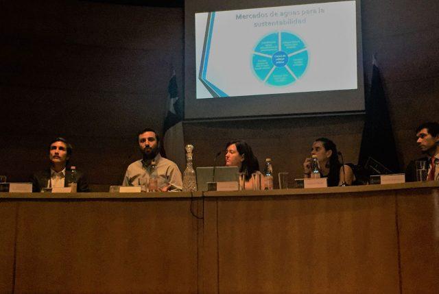 Compragua participa en seminario organizado por la Universidad de Chile