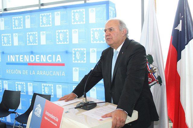 Ex intendente Mayol muere con las botas puestas y reitera respaldo a Carabineros