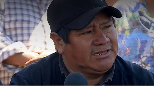 "Padre de Camilo Catrillanca critica renuncia de Mayol: ""Arrancó como una rata"""