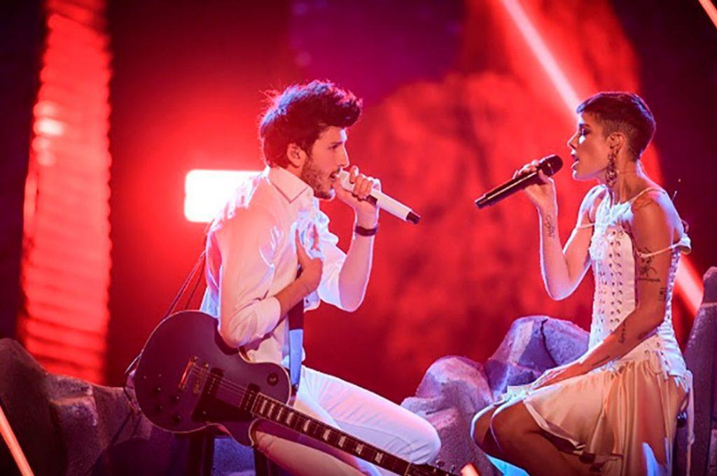 Sebastián Yatra y Halsey derrocharon talento y romanticismo durante los Latin Grammy 2018
