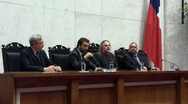 Alcalde de Quintero dio cuenta de la situación de la comuna y su puerto en seminario internacional