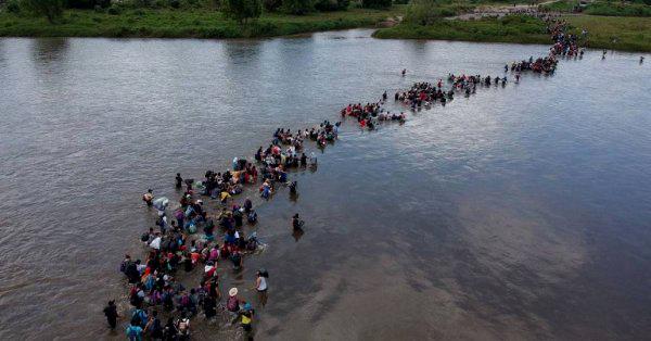 Ahora cientos de salvadoreños cruzan la frontera con México para intentar llegar a EEUU