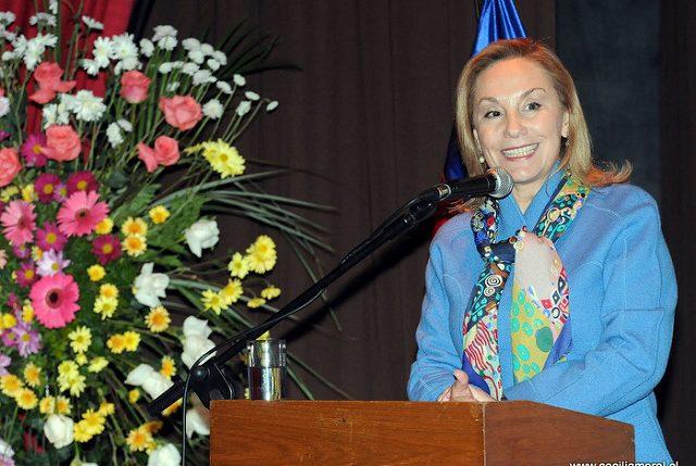 Cecilia Morel enciende la alarma por avance de la ultraderecha de JA Kast