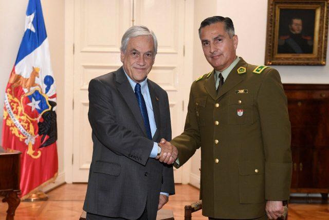 Contradicción presidencial: Apoya a jefe de Carabineros y admite violaciones a DDHH