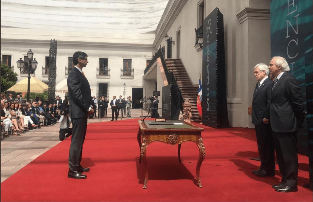 Andrés Couve se convierte en el primer ministro de Ciencia y Tecnología en Chile