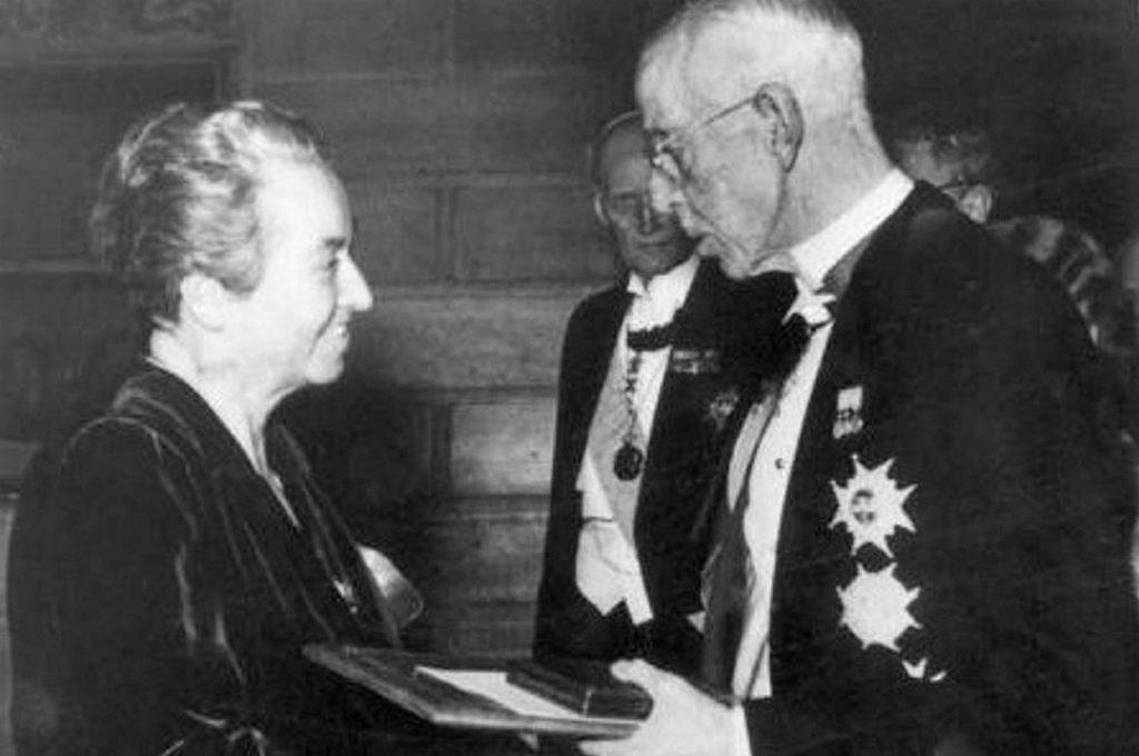 Museo de San Francisco exhibirá la medalla y pergamino originales del Premio Nobel a Gabriela Mistral