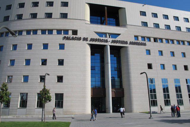 """Pamplona: Condenan a 9 años de prisión a """"la manada"""""""