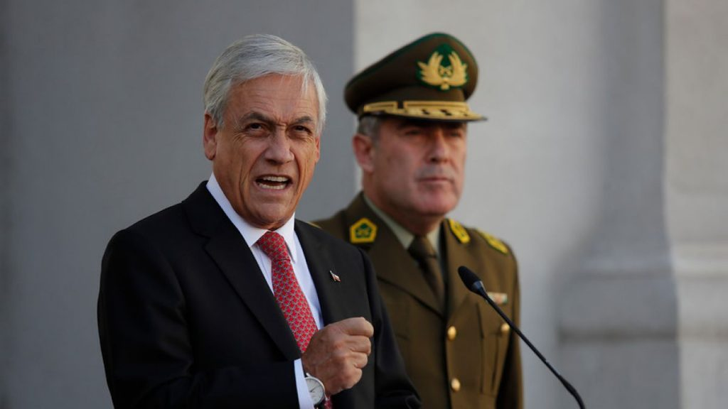Piñera profundiza distancia con FF.AA. y anuncia cambios para sacar a CJ