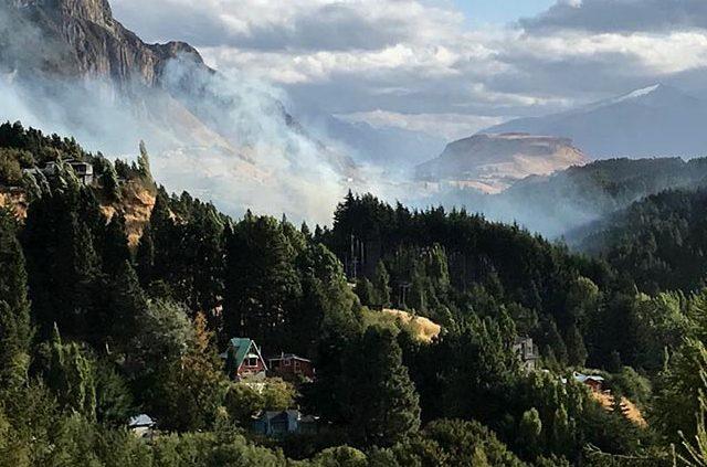 Emergencias en el Norte y Sur de Chile invisibilizan los graves incendios forestales en la Región de Aysén, Patagonia Chilena