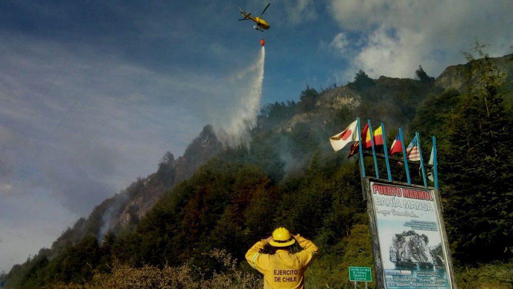 5 Helicópteros, 2 aviones, bomberos, brigadistas de Conaf y del Ejército combaten incendios en Región de Aysén