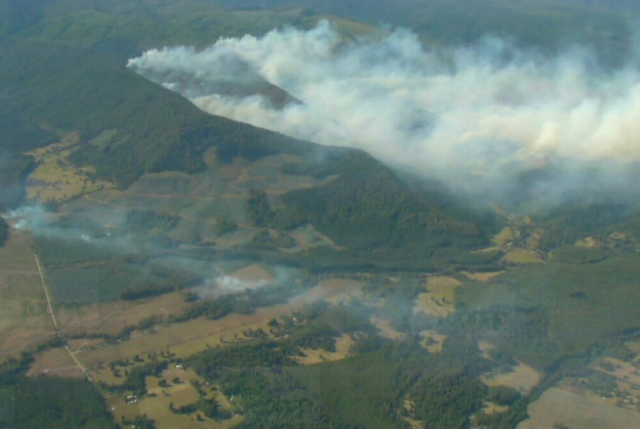 Piñera suspende vacaciones y visitará La Araucanía por incendios forestales