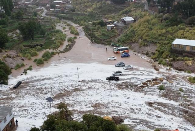 Seis muertos, cortes de camino y damnificados dejan las intensas lluvias en el norte del país