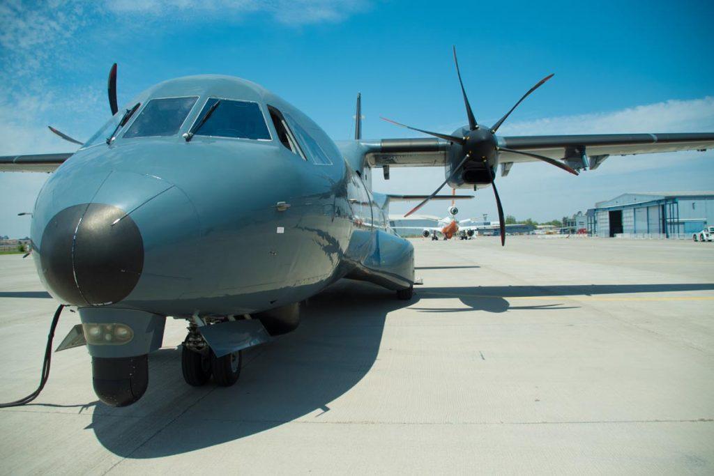 Para combatir incendios forestales el guía del Tanker sera el avión P-295 de la Armada
