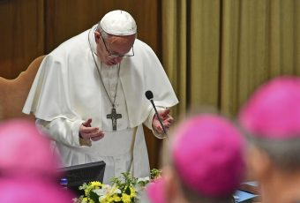 """Papa da el vamos  cumbre de mitrados por abusos sexuales: """"Escuchemos el grito de los niños que piden justicia"""""""