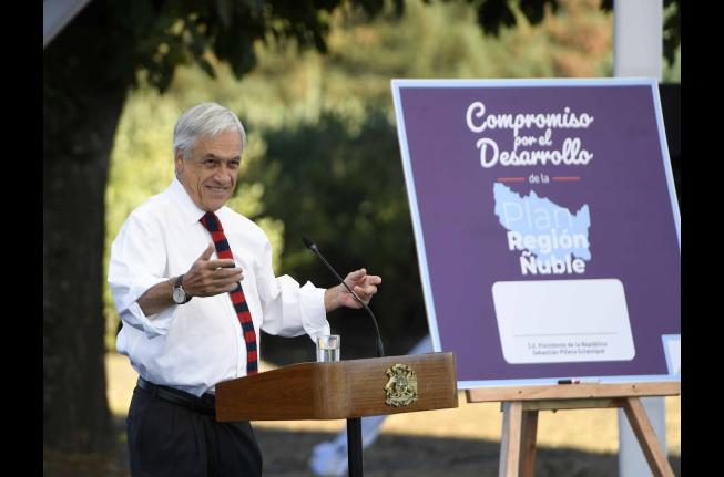"""Piñera molesto: """"Esta es la diferencia entre Gobiernos que hablan y los que hacen"""""""