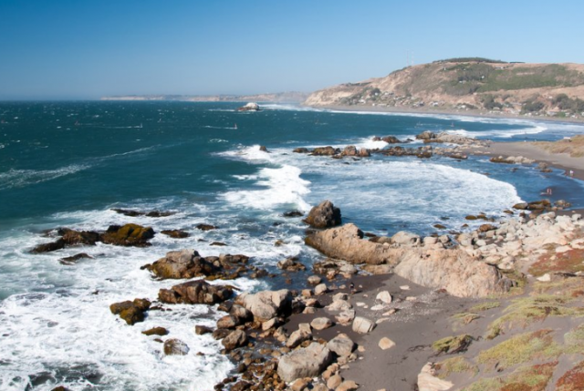 ¡Ya es ley! Quienes bloqueen acceso a playas deberán pagar entre $490 mil y $4.900.000 en multas