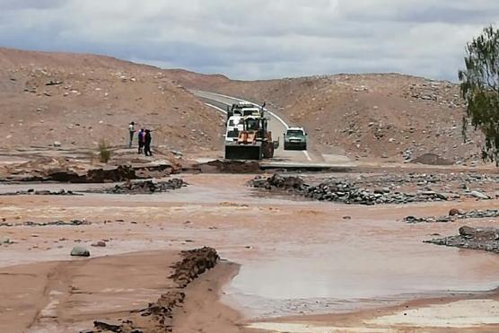 Onemi actualiza alerta temprana en provincia del Tamarugal por lluvias y posible aluviones