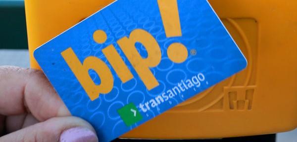 Transantiago entra a la era digital: Pasajes se pagarán con celular y tarjetas bancarias