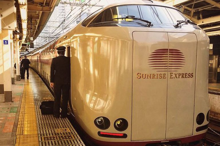 Trenes nocturnos japoneses ofrecen un servicio de lujo