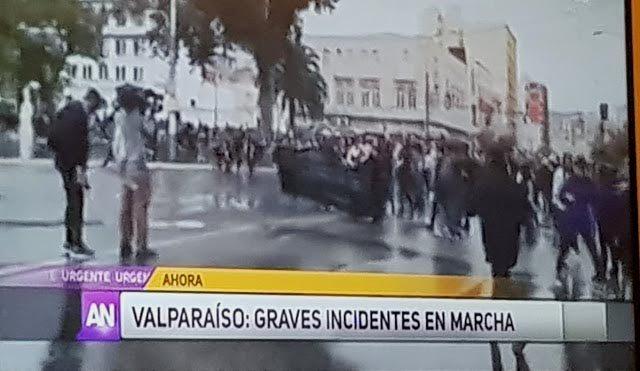 """Colegio de Periodistas se pronuncia por """"falta de ética"""" de MEGA tras difundir imágenes falsas el 8M"""