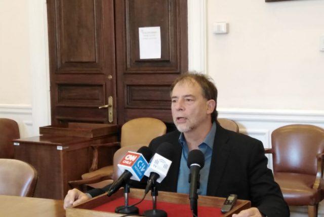 """Girardi se lanza contra """"Fonasa Plus"""" y dice que es una """"privatización encubierta"""""""