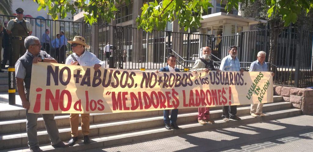 """Movimientos ciudadanos llaman a la """"desobediencia civil"""" para evitar instalación de medidores inteligentes"""