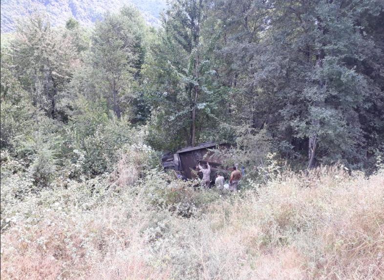 ACTUALIZADO // Accidente de camión militar en Alto Biobío deja 1 muerto y 10 lesionados
