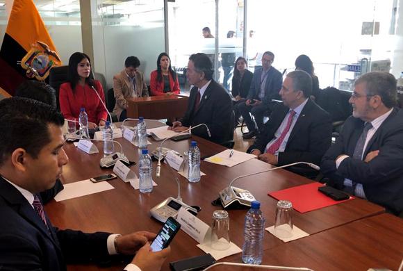 Venezuela la obsesión del canciller Ampuero: En Quito se reúne con países y UE que buscan terminar con régimen  de  Maduro