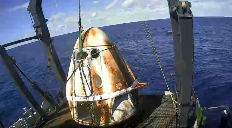 Cápsula Crew Dragon cumple exitósamente con el cronográma y regresa a la Tierra