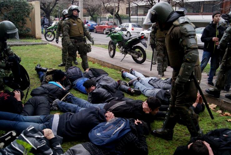 """Chile 21 arremete contra idea de La Moneda por control de identidad: """"Esta práctica incluso genera más violencia"""""""