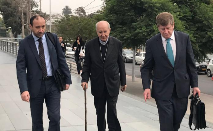 Francisco Javier Errázuriz llega a declarar como imputado por encubrimiento en casos de abusos