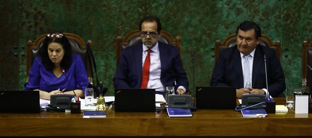 Mesa de la Cámara de Diputados oficializa su renuncia