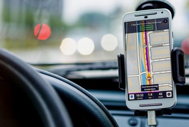 """Conducir usando celular será una """"Falta Gravísima"""": Proyecto  pasó a segundo trámite legislativo"""