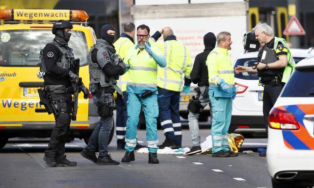 Holanda: Varios heridos deja una balacera en Utrecht y atacante sigue prófugo