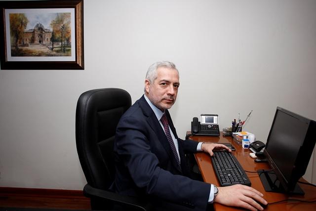 Guzmán obtiene 30 votos y se convierte en el nuevo Secretario-emperador del Senado
