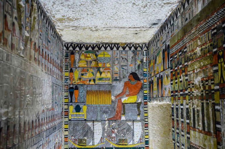 Arqueólogos descubren tumba egipcia de hace 4000 años y parece recién pintada