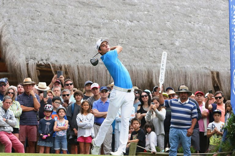 Joaquín Niemann encabeza abierto de Golf de Chile