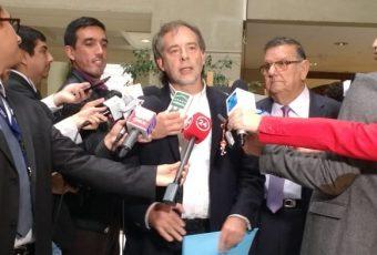 """Senadores de oposición acusan que reforma a la salud es una """"isaprización"""" de Fonasa"""