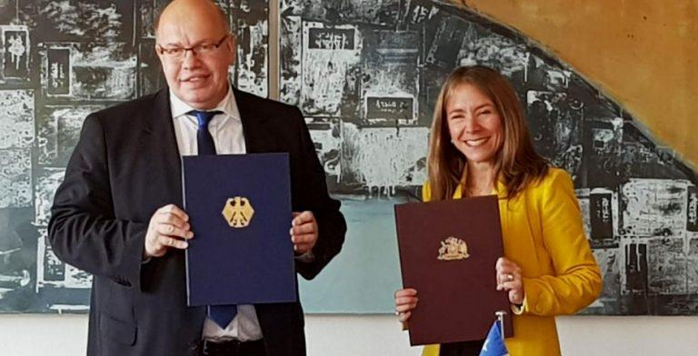 Alemania firma acuerdo de colaboración energética con Chile