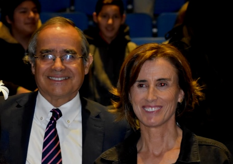 Senador Pugh destaca apoyo de Mineduc a estudiantes de Valparaíso que participarán en mundial de robótica en EEUU