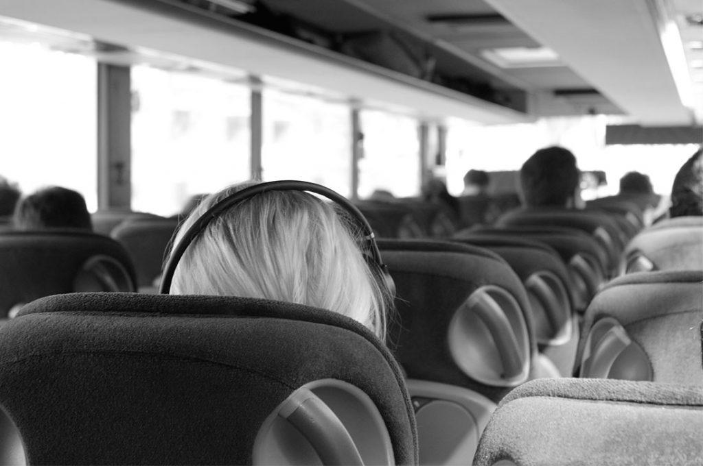 7 recomendaciones claves para viajar en bus más cómodo y seguro en Semana Santa