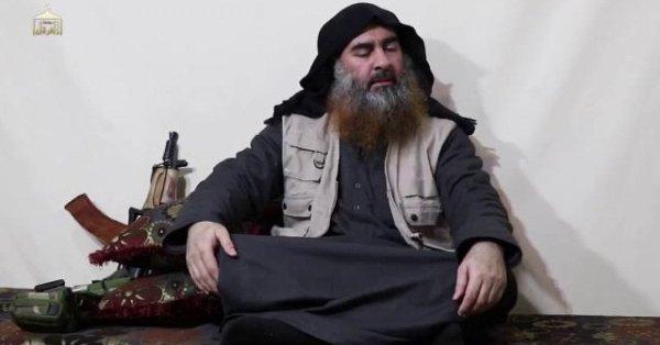 """Reaparece líder de EI, Abu Bakr al Bagdadi, anuncia que su """"guerra santa"""" continúa"""