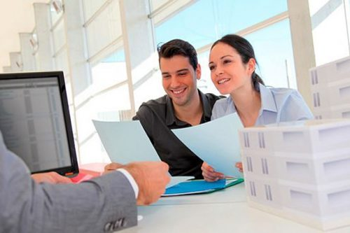 Expertos te entregan las 3 claves para aprovechar la histórica tasa hipotecaria