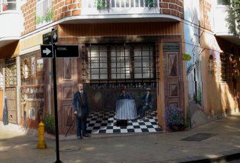 REPORTAJE GRÁFICO // Barrio Lastarria-Bellas Artes: El mural de la discordia en medio de muros sucios y rayados