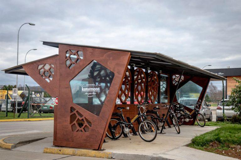 Inauguran primer terminal de carga con energía solar para bicicletas eléctricas