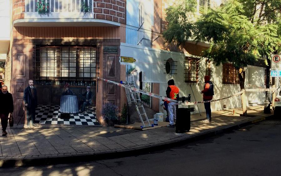 La tardía reacción del alcalde Alessandri tras borrado de mural de Barrio Lastarria: Tuvo el tiempo para evitarlo