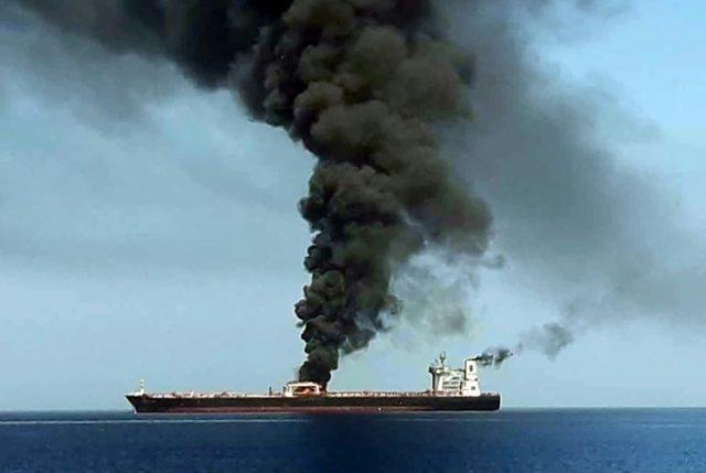 Supuesto ataque a dos petroleros en Estrecho de Ormuz moviliza a flota de EEUU